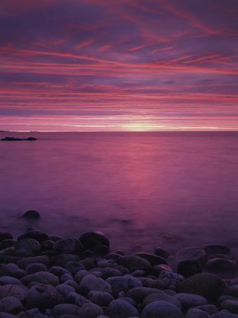 https://imgc.allpostersimages.com/img/posters/maine-acadia-national-park-sunrise-over-the-rocky-shoreline-of-the-beach_u-L-PU3G4U0.jpg?p=0