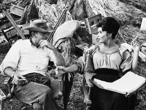 MAJOR DUNDEE, 1965 directed by SAM PECKINPAH On the set, Sam Peckinpah with Senta Berger (b/w photo