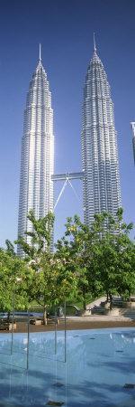 https://imgc.allpostersimages.com/img/posters/malaysia-kuala-lumpur-view-of-petronas-twin-towers_u-L-P18M110.jpg?p=0