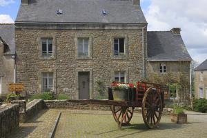 Located in the Town of Locronan in Brittany Is This Granite Home by Mallorie Ostrowitz