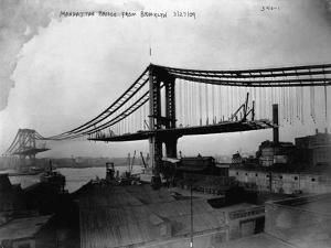 Manhattan Bridge under Construction, 1909