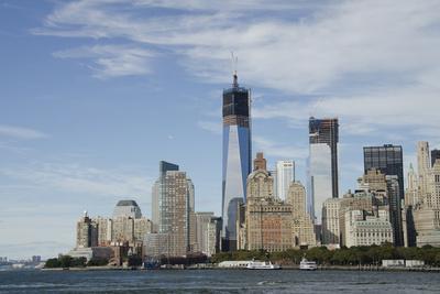 https://imgc.allpostersimages.com/img/posters/manhattan-city-skyline-new-york-new-york-usa_u-L-PN6Z640.jpg?artPerspective=n