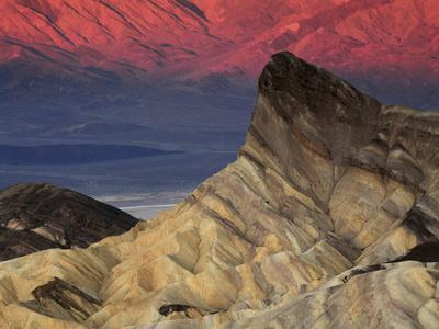 https://imgc.allpostersimages.com/img/posters/manly-beacon-at-dawn-zabriskie-point-death-valley-national-park-california-usa_u-L-PHAFKG0.jpg?p=0