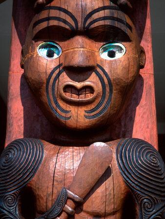 https://imgc.allpostersimages.com/img/posters/maori-carving-on-arataki-visitors-centre-waitakere-ranges-auckland_u-L-P2TBDA0.jpg?p=0