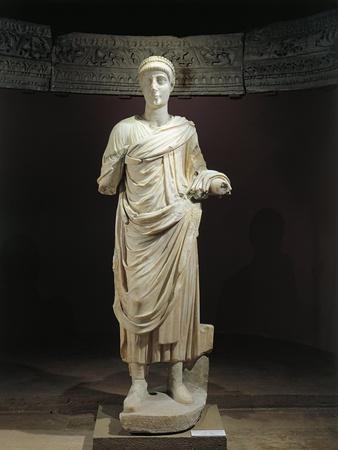 https://imgc.allpostersimages.com/img/posters/marble-statue-of-emperor-valentinian-ii_u-L-PPBM450.jpg?p=0