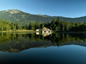 Mountain Inn Pflegersee by Marc Gilsdorf