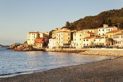 https://imgc.allpostersimages.com/img/posters/marciana-marina-at-sunset-island-of-elba-livorno-province-tuscany-italy_u-L-PWFLG80.jpg?p=0