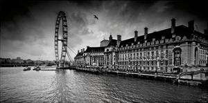 London by Marcin Stawiarz