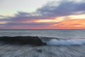 Moving Wave by Marco Carmassi