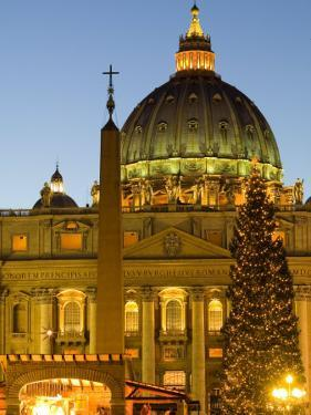 St. Peter's Basilica at Christmas Time, Vatican, Rome, Lazio, Italy, Europe by Marco Cristofori