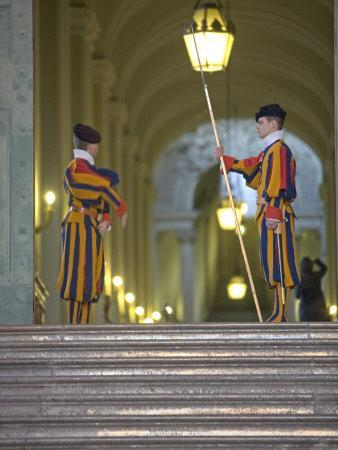 Swiss Guards, St. Peter's Square, Vatican City, Rome, Lazio, Italy, Europe