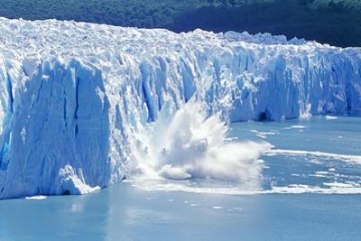 Glacier Ice Melting and Icebergs, Moreno Glacier, Patagonia, Argentina, South America