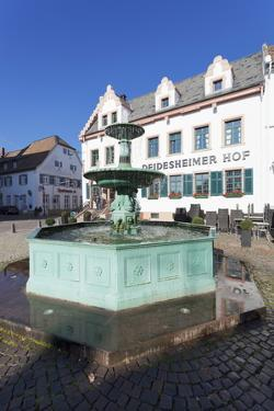 Andreasbrunnen Fountain and Deidesheimer Hof Hotel by Marcus Lange