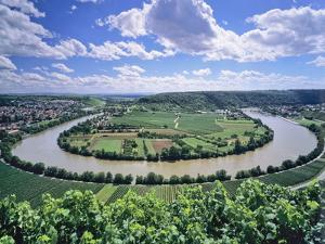 Bight of Neckar River, Mundelsheim, Baden Wurttemberg, Germany, Europe by Marcus Lange