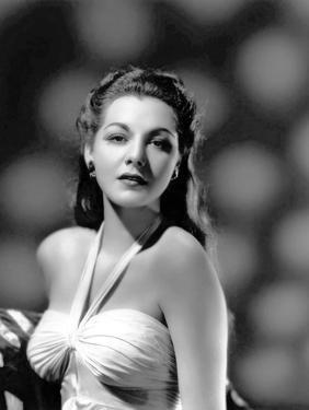 MARIA MONTEZ, 1944 (b/w photo)