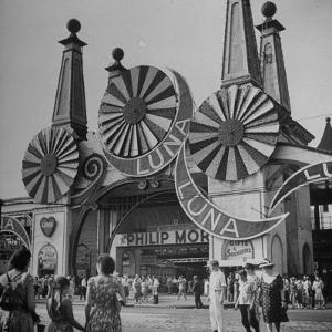 Entrance to the Luna Amusement Pavilion at Coney Island Amusement Park by Marie Hansen