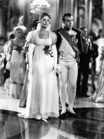 https://imgc.allpostersimages.com/img/posters/marie-walewska-conquest-by-clarence-brown-with-greta-garbo-and-charles-boyer-dans-le-role-by-nap_u-L-Q1C3Y360.jpg?artPerspective=n