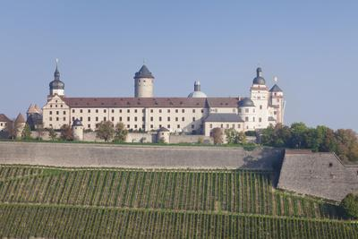 https://imgc.allpostersimages.com/img/posters/marienberg-fortress-wuerzburg-franconia-bavaria-germany-europe_u-L-PWFS4O0.jpg?p=0