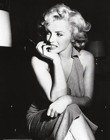 https://imgc.allpostersimages.com/img/posters/marilyn-monroe-1952_u-L-E8WLS0.jpg?p=0