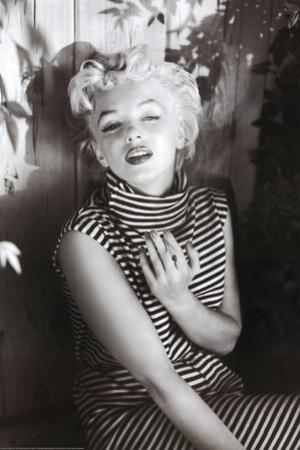 Marilyn Monroe (Cigarette) Movie Poster Print