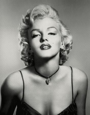 Marilyn Monroe (Portrait, B&W) Glossy Movie Photo Photograph Print