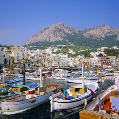https://imgc.allpostersimages.com/img/posters/marina-grande-capri-campania-italy_u-L-P2QVQZ0.jpg?p=0