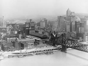 Pittsburgh in the 1940S by Marion Post Wolcott