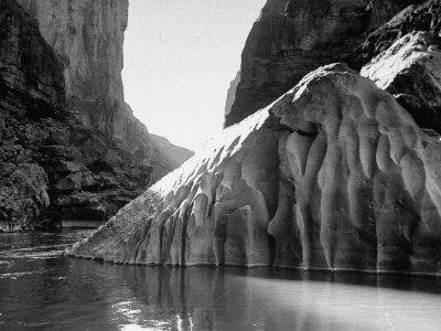 https://imgc.allpostersimages.com/img/posters/mariscal-canyon-with-steep-jagged-walls-rising-sharply-from-river-at-big-bend-national-park_u-L-P692N20.jpg?p=0