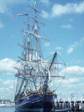 Hms Bounty Newport, Rhode Island by Mark Gibson