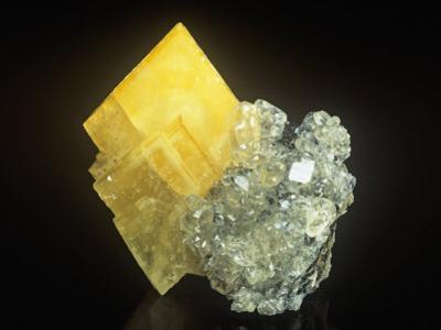 Barite Crystal on Calcite, Denton Mine, Illinois, USA