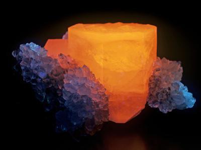 Calcite with Quartz Photographed under Short-Wave Ultraviolet (Uv) Light and Fluorescing