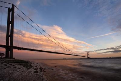 The Humber Bridge at Dusk, East Riding of Yorkshire, Yorkshire, England, United Kingdom, Europe