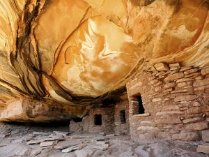 USA, Utah, Fallen Roof Ruin Cliff Dwelling by Mark Sykes