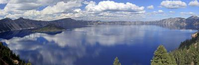Panoramic View of Crater Lake, Oregon, USA by Mark Taylor