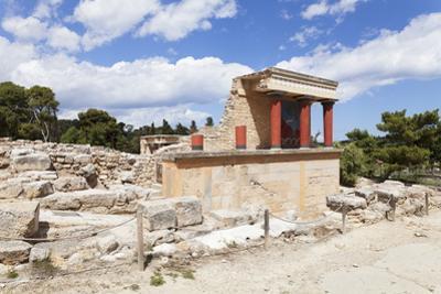Minoan Palace, Palace of Knossos, North Entrance by Markus Lange