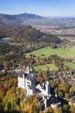 Neuschwanstein Castle by Markus Lange