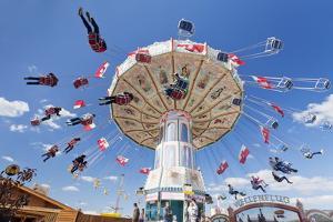 Swing Carousel, Cannstatter Wasen (Volksfest), Stuttgart, Baden Wuerttemberg, Germany, Europe by Markus Lange