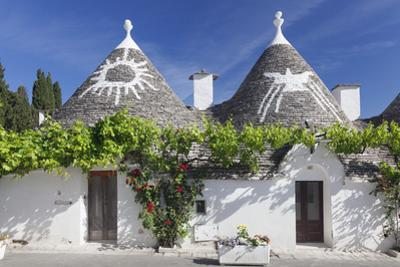 Trulli, traditional houses, Rione Monti area, Alberobello, UNESCO World Heritage Site, Valle d'Itri by Markus Lange
