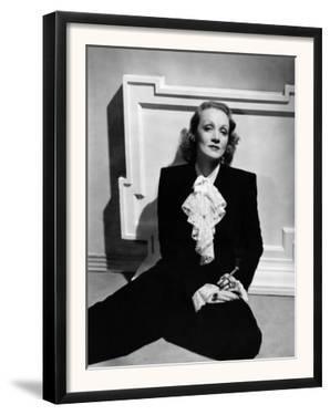 Marlene Dietrich, Early 1940s
