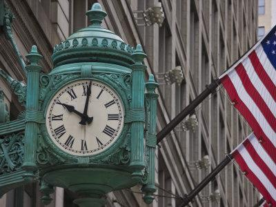 https://imgc.allpostersimages.com/img/posters/marshall-field-building-clock-now-macy-s-department-store-chicago-illinois-usa_u-L-PXUCT20.jpg?artPerspective=n