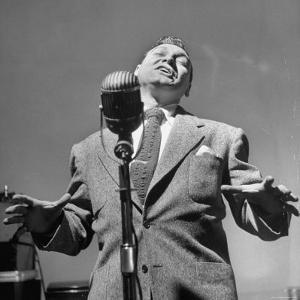 Singer Frankie Laine During a Concert by Martha Holmes