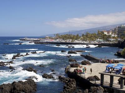 https://imgc.allpostersimages.com/img/posters/martianez-lido-puerto-de-la-cruz-tenerife-canary-islands-spain-atlantic-europe_u-L-PFNI4V0.jpg?p=0