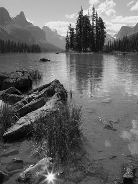 Spirit Island, Maligne Lake, Jasper National Park, UNESCO World Heritage Site, British Columbia, Ro by Martin Child