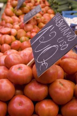 Tomatoes for Sale, Mercado Central (Central Market), Valencia by Martin Child