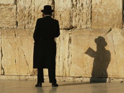 Hasidic Jew Prays at the Wailing Wall