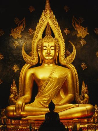 Phra Phuttha Chinnarat Buddha Inside Wat Phra Sri Rattana Mahathat