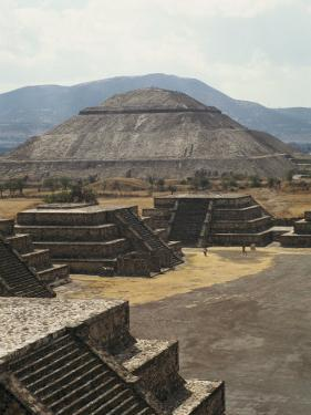 Temple of the Sun at Teotihuacan by Martin Gray
