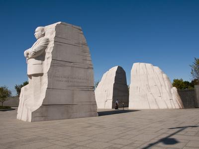 https://imgc.allpostersimages.com/img/posters/martin-luther-king-jr-memorial-washington-dc-usa-district-of-columbia_u-L-PHADDC0.jpg?p=0
