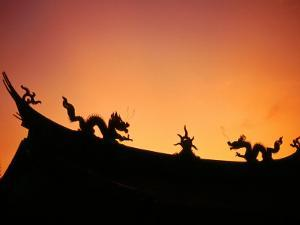 Dragons on Roof of Kuangkung Temple, Tainan, Taiwan by Martin Moos