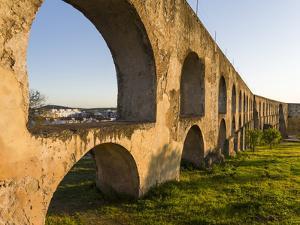Aqueduto da Amoreira, Elvas in the Alentejo. Portugal by Martin Zwick